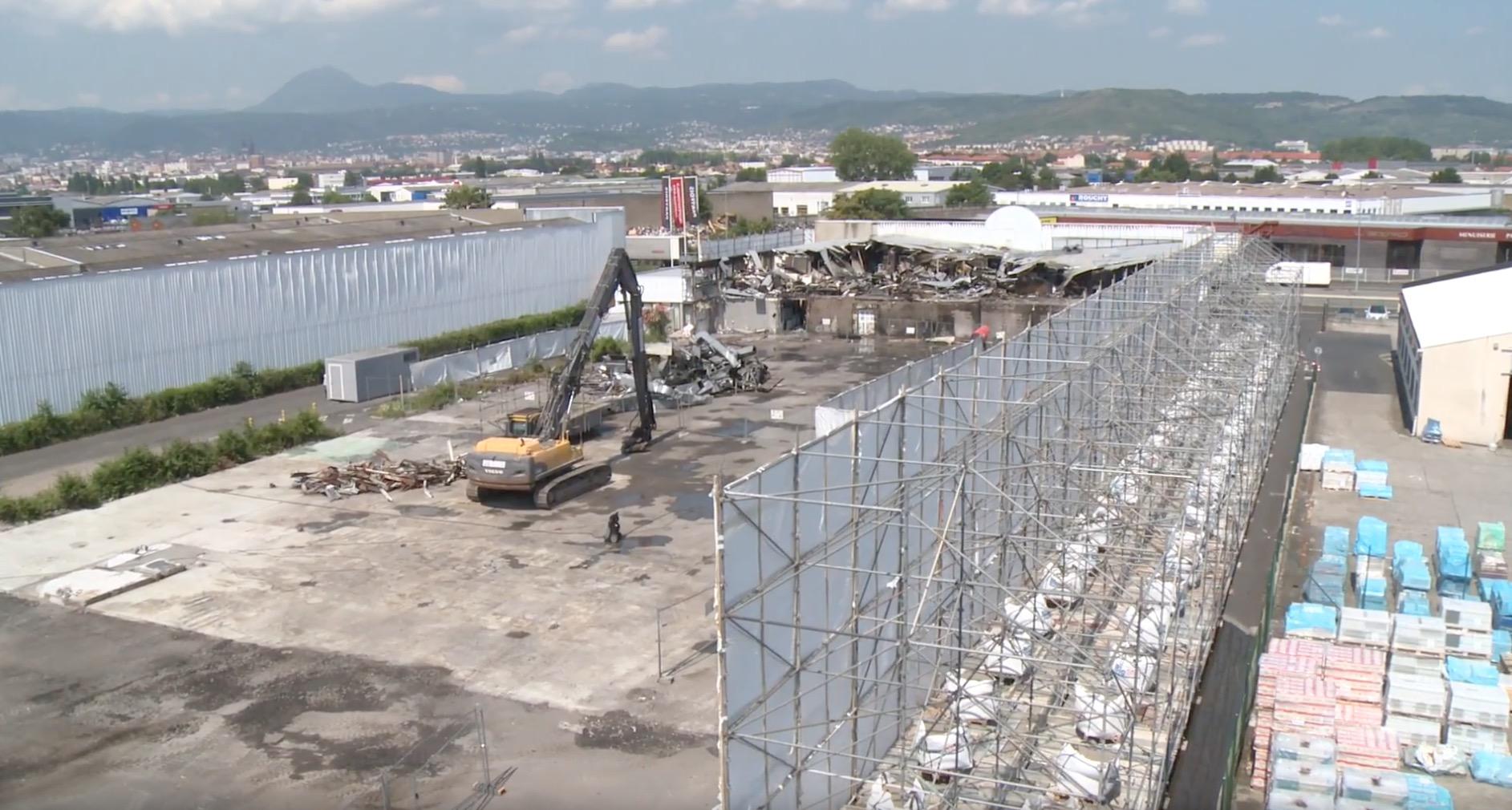 Déconstruction d'un bâtiment sinistré amianté